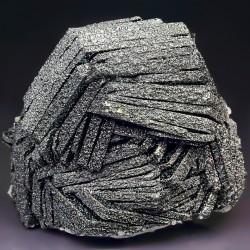 Гематит - необычный минерал с удивительными свойствами.