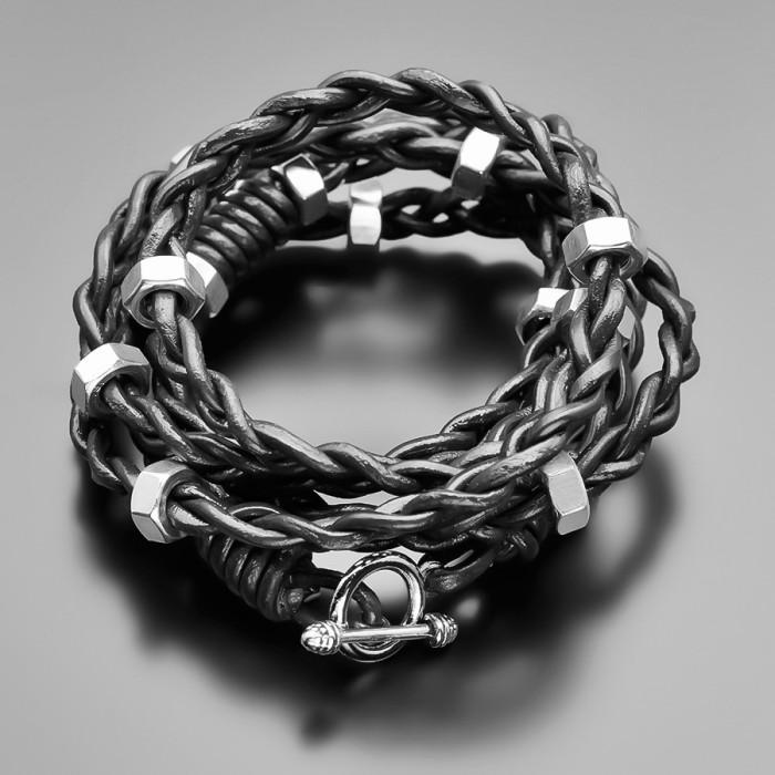 Кожаный браслет с использованием стальных гаек. Rico La Cara.