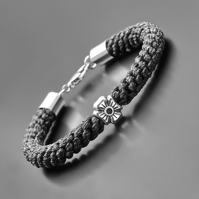 Плетеный браслет из вощеного шнура. Украшение на руку Rico La Cara.