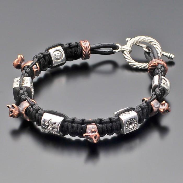Кожаный браслет с шармами в форме кошек. Rico La Cara.