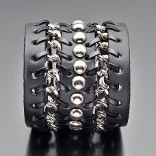 Кожаный браслет на руку с цепями.