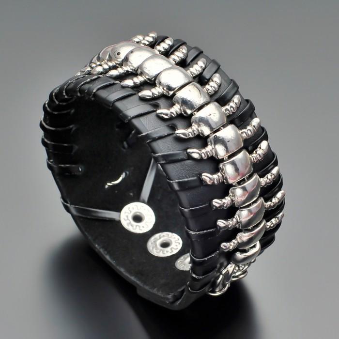 Кожаный браслет. Украшение на руку.