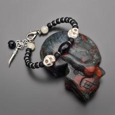 Браслет с черепами из говлита, цвета слоновой кости. Rico La Carа.