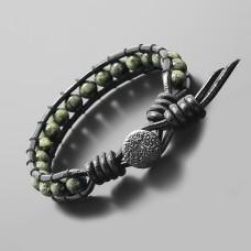 Кожаный браслет Rico La Cara из камня змеевик стилистика Чан Лу.