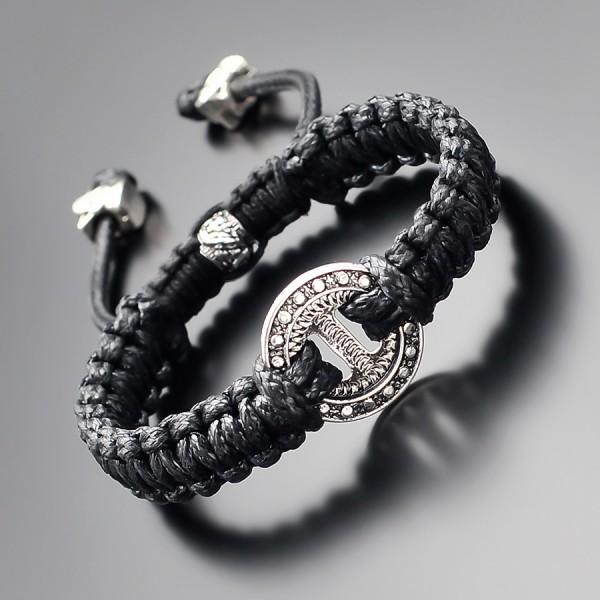 Дизайнерский браслет на руку. Украшение стиле shambhala.