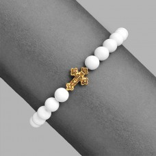 Дизайнерский браслет резинка. Украшение камнями белого агата.