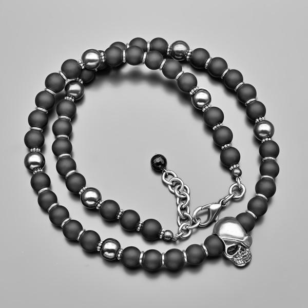 Чокер на шею, Ожерелье из шунгита с подвеской в форме череп.