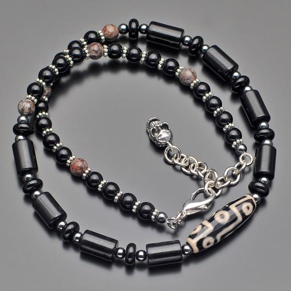 Чокер с подвеской, украшение на шею. Бижутерия из натуральных камней.