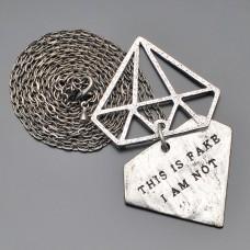 Мужское украшение. Медальон с гравировкой.