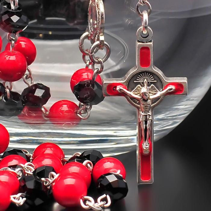 Rico La Cara. Католический розарий, четки с крестом. Красный агат.