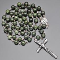 Католический розарий Rico La Cara бусы из камня змеевик.