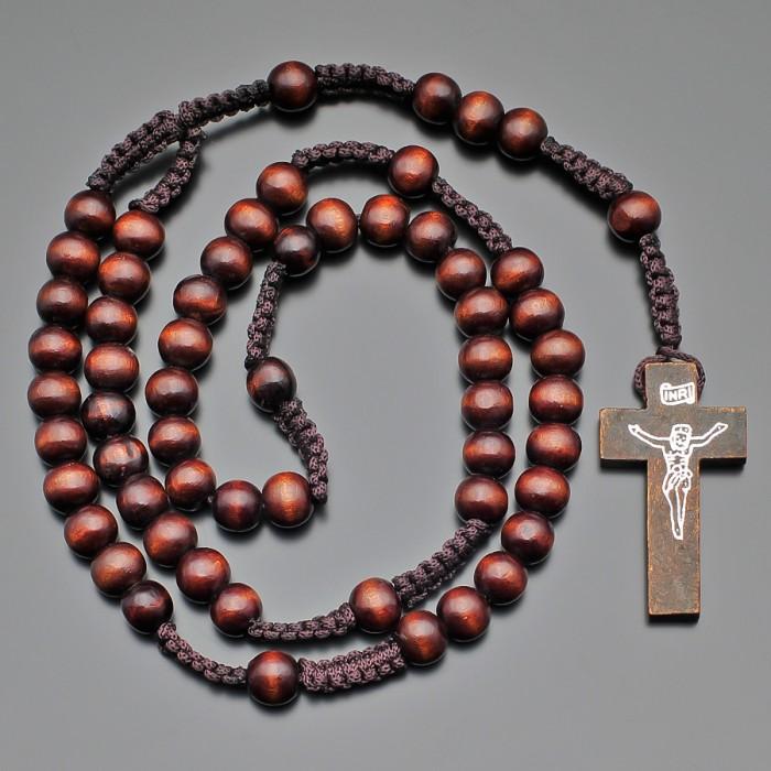 Деревянные четки, бусы, католический розарий с крестом.