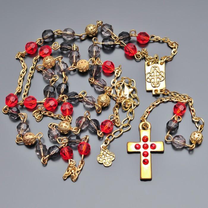Женские бусы, розарий с крестом.