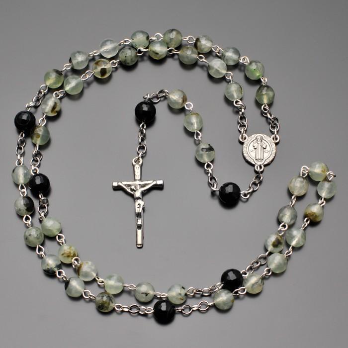 Розарий Rico La Cara из камней зеленого агата. Бусы с крестом.