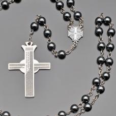 Розарий, бусы из камней гематита. Крест подвеска из стали с гравировкой.