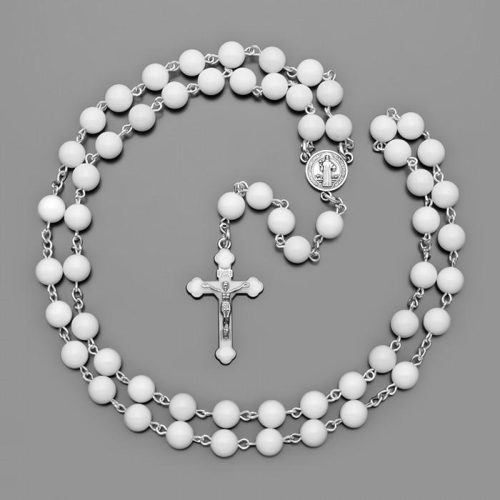 Розарий или «венок из роз», четки из камней белого агата. Крестик с покрытием белой эмали. Бижутерия Rico La Cara.
